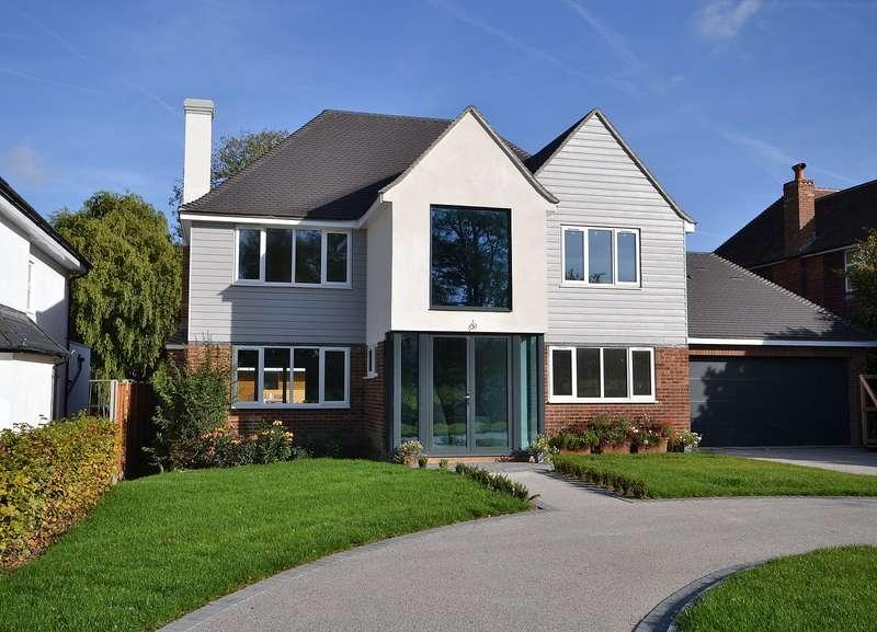 6 Bedrooms Detached House for sale in Weybridge