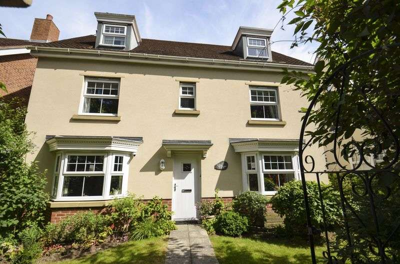 5 Bedrooms Detached House for sale in Southampton Road, Lymington
