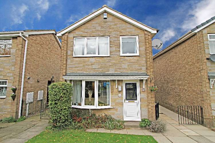 3 Bedrooms Detached House for sale in Fleming Way, South Yorkshire, S66 2HB