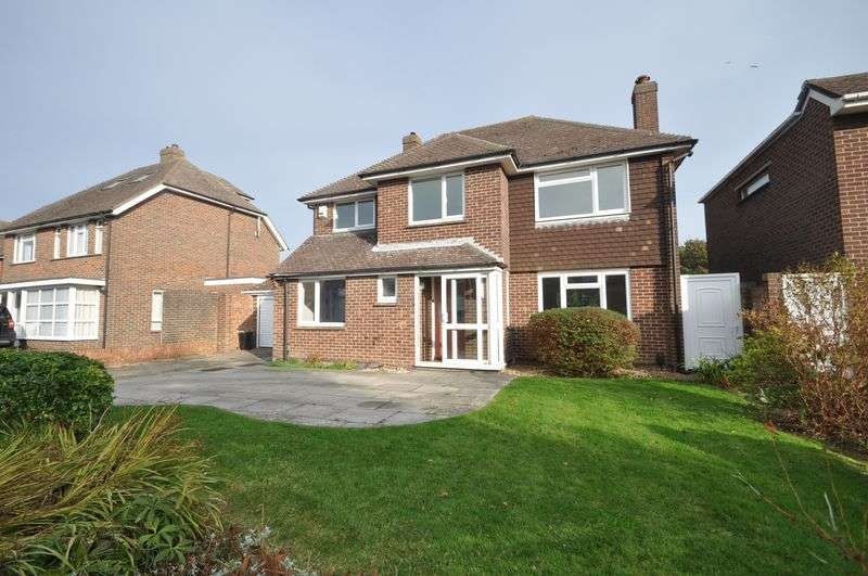 4 Bedrooms Detached House for sale in Esmond Close, Emsworth