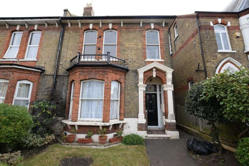 2 Bedrooms Flat for sale in Wrottesley Road, Plumstead