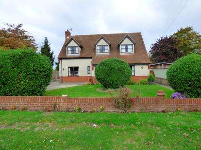4 Bedrooms Detached House for sale in Wix, Manningtree, Essex