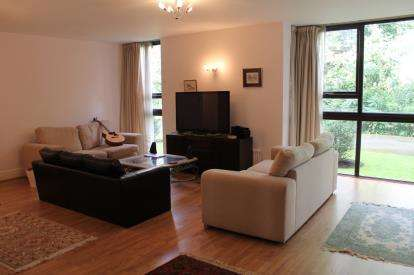 2 Bedrooms Flat for sale in Parkfield Lodge, Parkfield Road South, Manchester, Greater Manchester