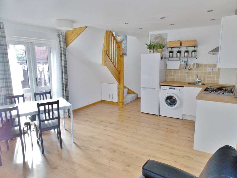 2 Bedrooms Terraced House for sale in Linton Gardens, London