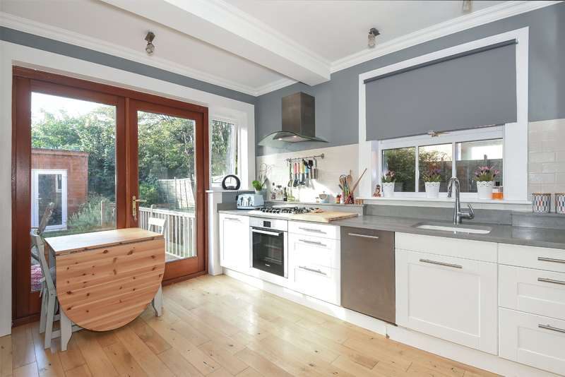 2 Bedrooms Maisonette Flat for sale in Vaughan Road, Harrow, Middlesex, HA1