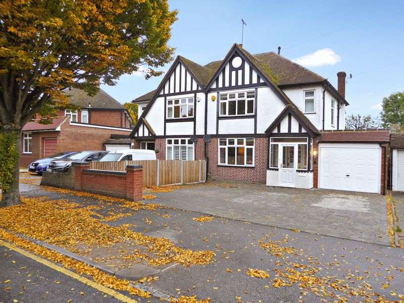 4 Bedrooms Semi Detached House for sale in Osborne Road, Dunstable