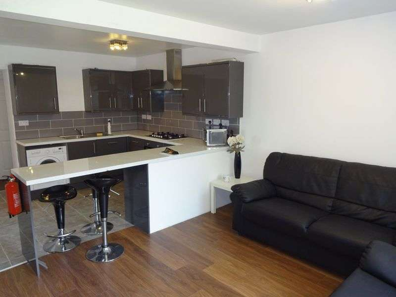 6 Bedrooms Semi Detached House for rent in Marchwood Close, Nottingham