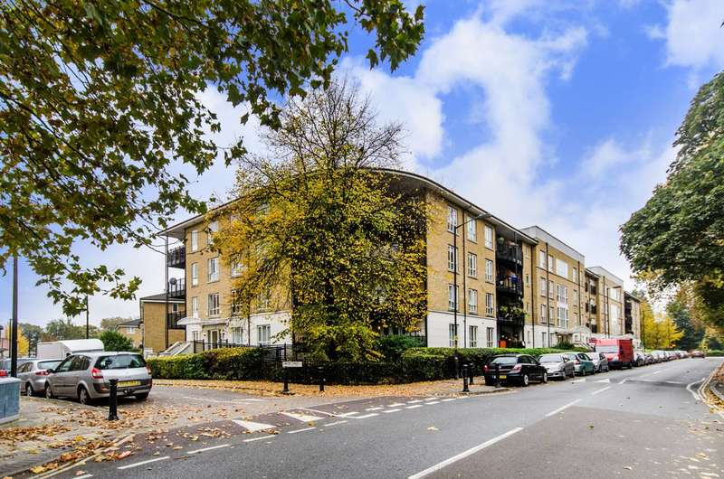 2 Bedrooms Flat for sale in St Georges Way, Peckham, SE15
