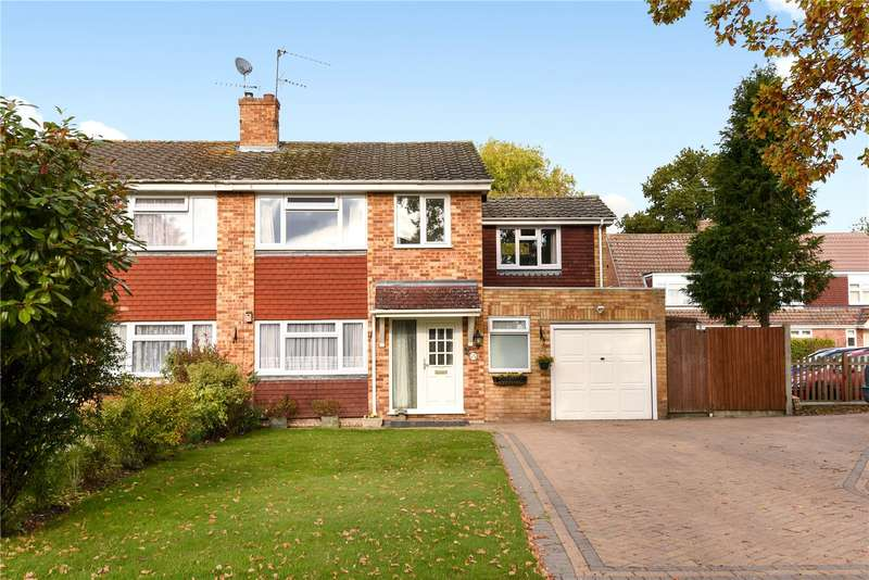 4 Bedrooms Semi Detached House for sale in Home Park Road, Yateley, Hampshire, GU46