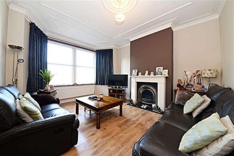 3 Bedrooms Property for sale in Squires Lane, Finchley, London, N3
