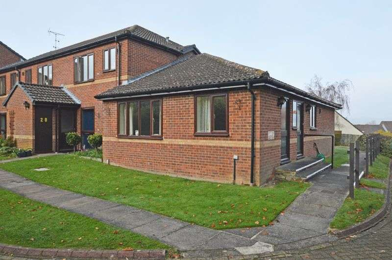 3 Bedrooms Bungalow for sale in St. Mary's Close, Alton, Hampshire