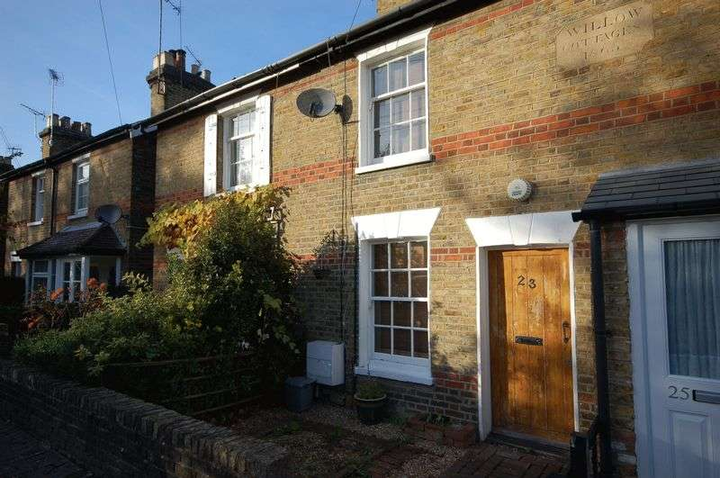 2 Bedrooms Terraced House for sale in Talbot Road, Rickmansworth, WD3 1HD