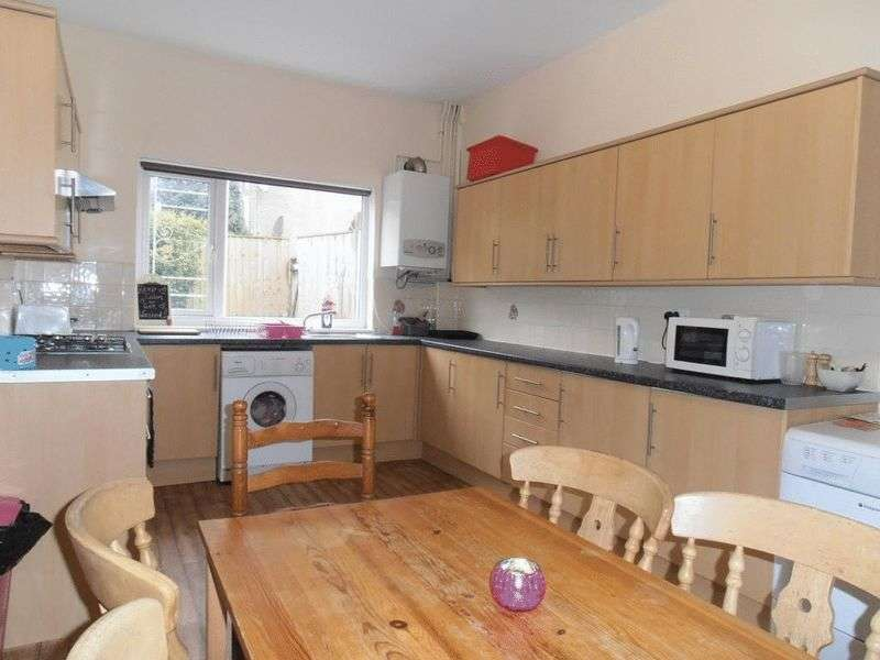 4 Bedrooms House for rent in Burford Road, Nottingham