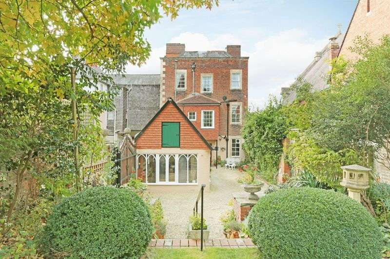4 Bedrooms House for sale in Long Street, Devizes