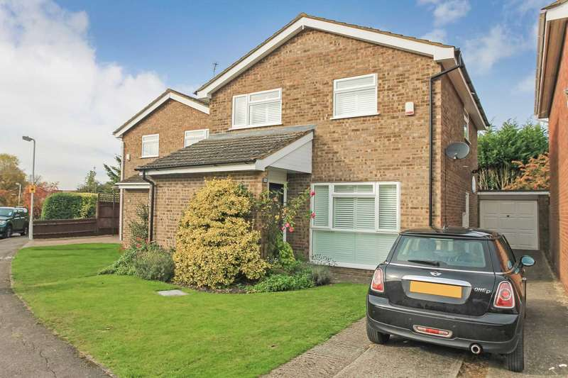 4 Bedrooms Detached House for sale in Aston Clinton, Buckinghamshire