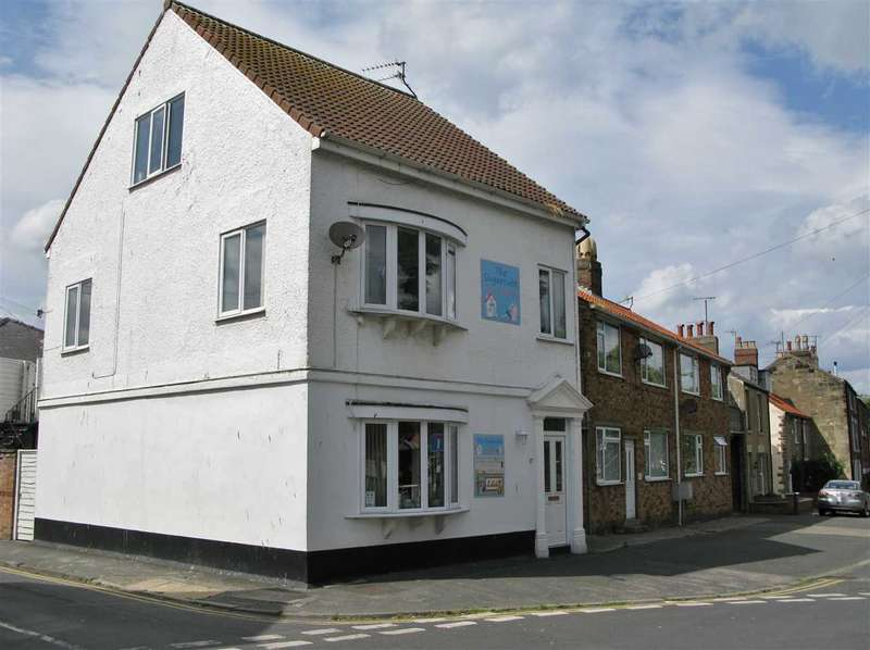 3 Bedrooms Apartment Flat for sale in Church Street, Filey