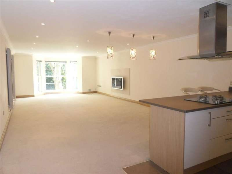 3 Bedrooms Property for sale in Radford Bank House, Darwen, Lancashire