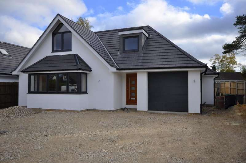 4 Bedrooms House for sale in Oaks Drive, St Leonards, Ringwood, BH24 2QU