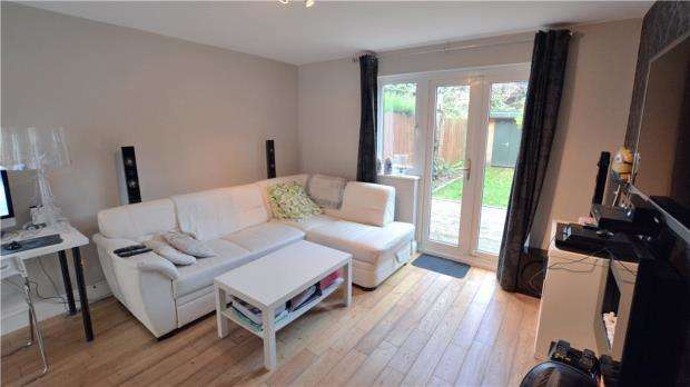 1 Bedroom Maisonette Flat for sale in Cedars Drive, Hillingdon, Middlesex