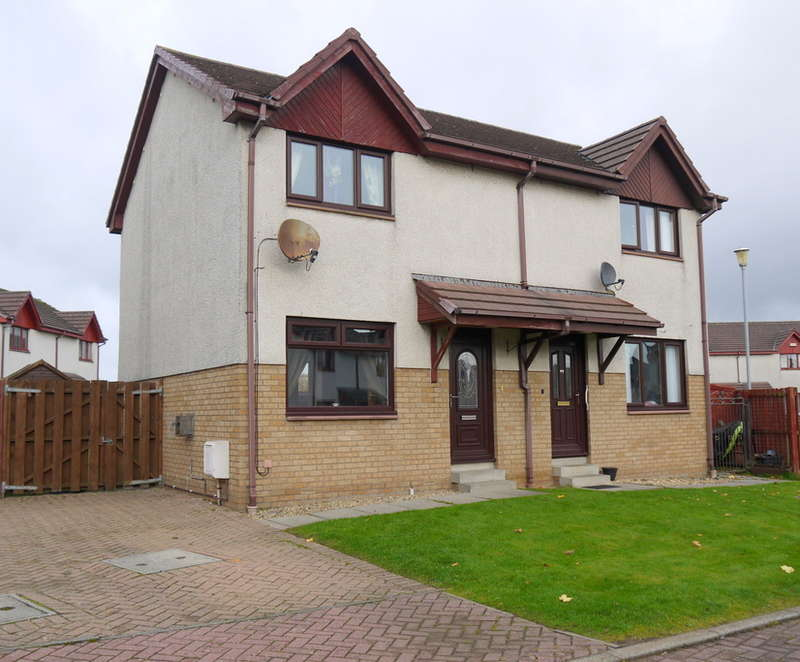2 Bedrooms Semi Detached House for sale in Moor Park Crescent, Prestwick, KA9