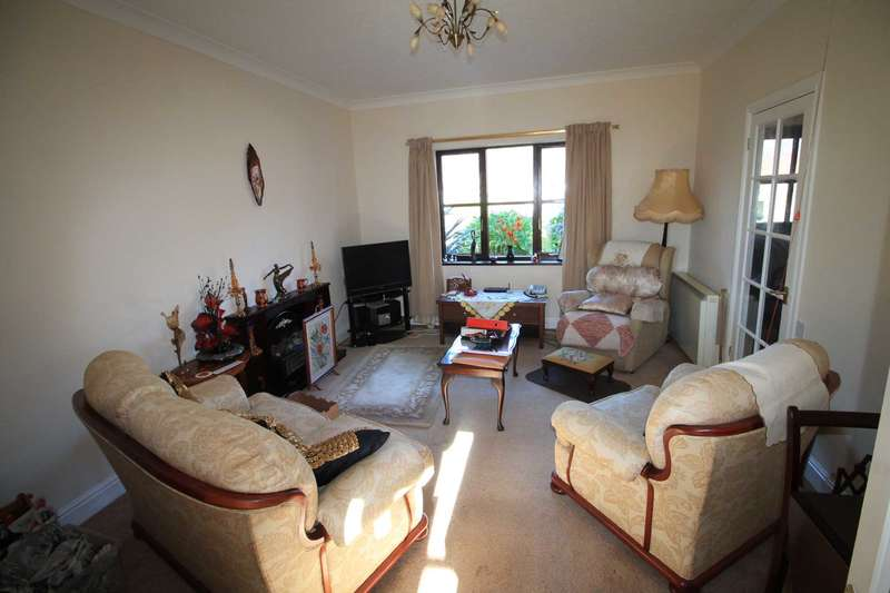 2 Bedrooms Retirement Property for sale in East Looe