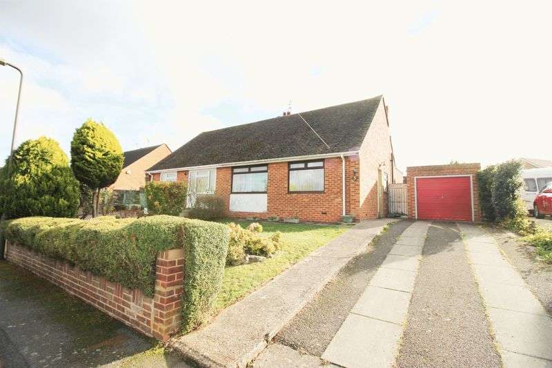 2 Bedrooms Semi Detached Bungalow for sale in Gorham Close, Snodland