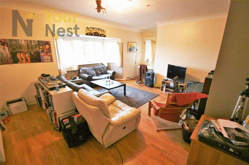 6 Bedrooms Flat for rent in Haddon Hall, Burley, LS4 2JT
