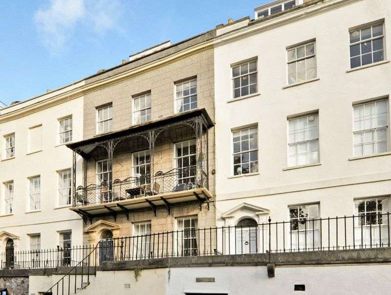 2 Bedrooms Flat for sale in Richmond Terrace, Clifton