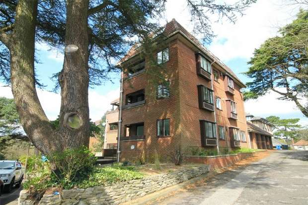3 Bedrooms Flat for sale in Lower Parkstone, Poole