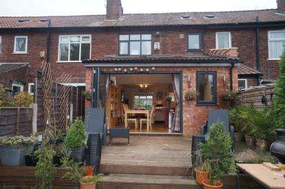 3 Bedrooms Terraced House for sale in Tunstead Avenue, Manchester, Greater Manchester
