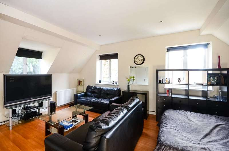 2 Bedrooms Flat for sale in Princes Way, Southfields, SW19