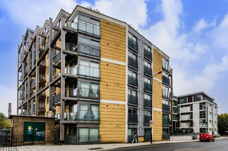 2 Bedrooms Flat for sale in Sumner Road, Peckham, SE15