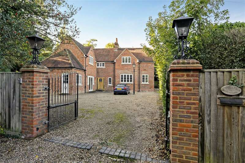4 Bedrooms Detached House for sale in Park Road, Stoke Poges, Buckinghamshire, SL2