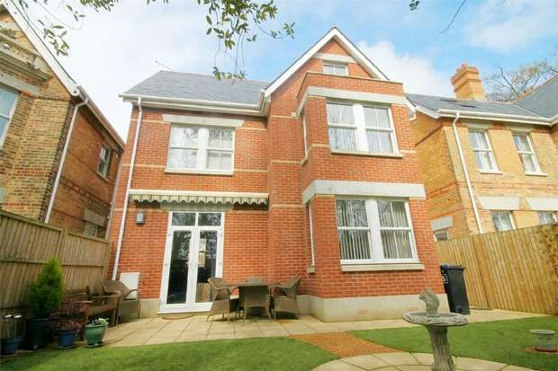 4 Bedrooms Detached House for sale in Lower Parkstone, Poole, Dorset