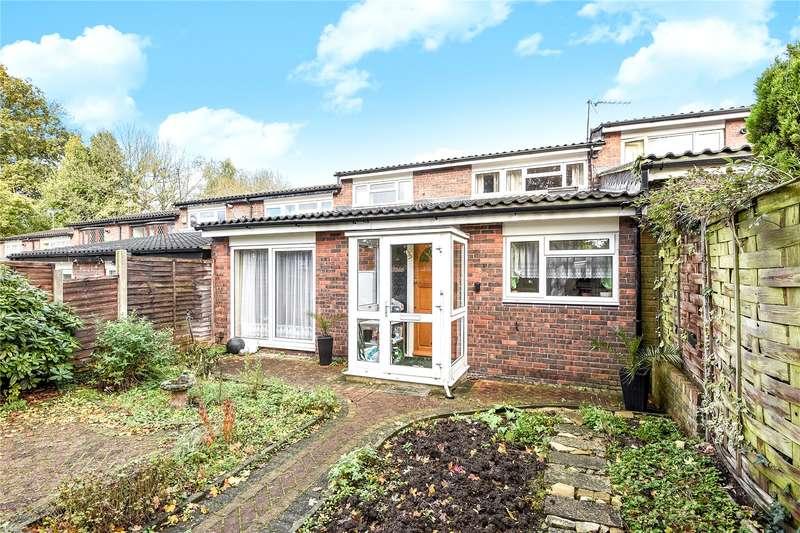 2 Bedrooms Maisonette Flat for sale in Standale Grove, Ruislip, Middlesex, HA4