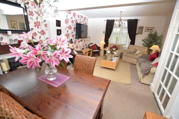 4 Bedrooms End Of Terrace House for sale in Park Road, St Marychurch, Torquay, Devon