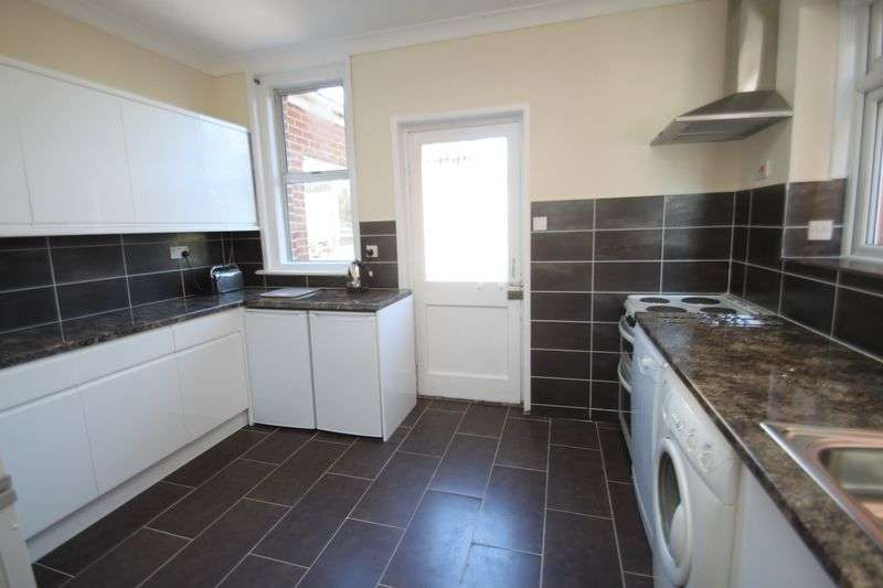 8 Bedrooms Detached House for rent in Talbot Road, Winton