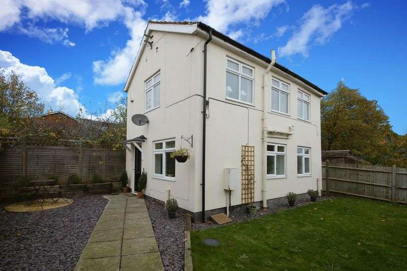 2 Bedrooms Detached House for sale in Sandhurst Road, Tunbridge Wells