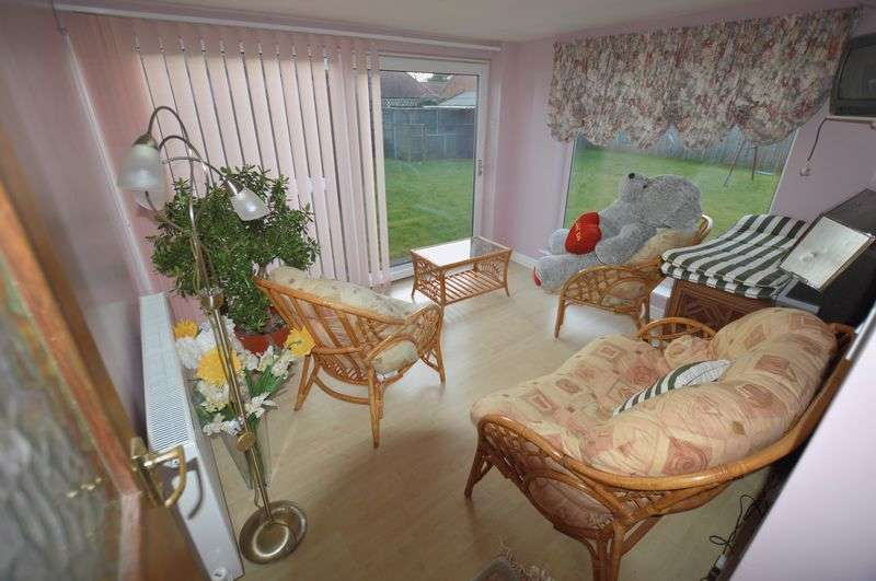 3 Bedrooms Detached Bungalow for sale in 160 Horncastle Road, Roughton Moor, Woodhall Spa