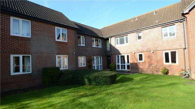 1 Bedroom Retirement Property for sale in Haddenhurst Court, Terrace Road South
