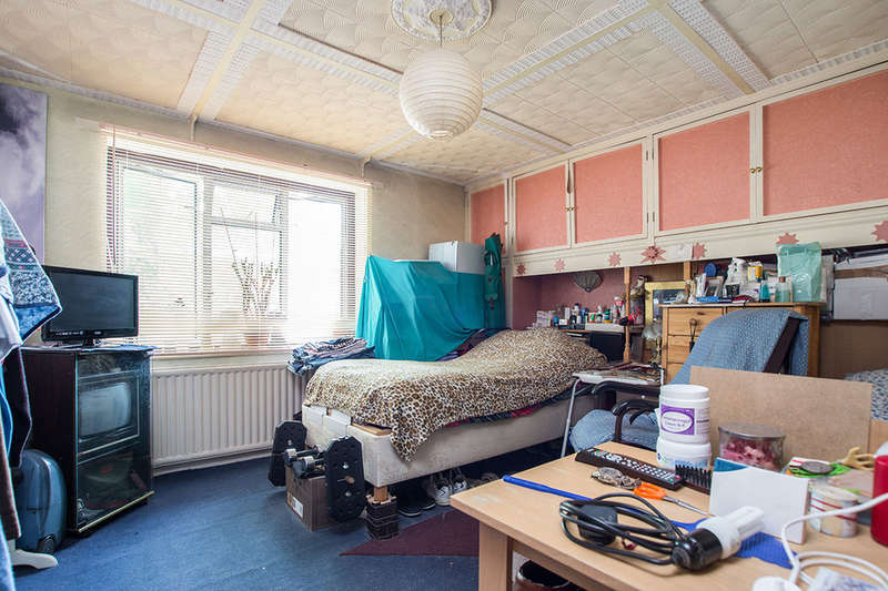 3 Bedrooms Semi Detached House for sale in Grange Road, Kingston Upon Thames, KT1