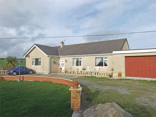 4 Bedrooms Detached House for sale in Llanfachraeth, Holyhead, Anglesey