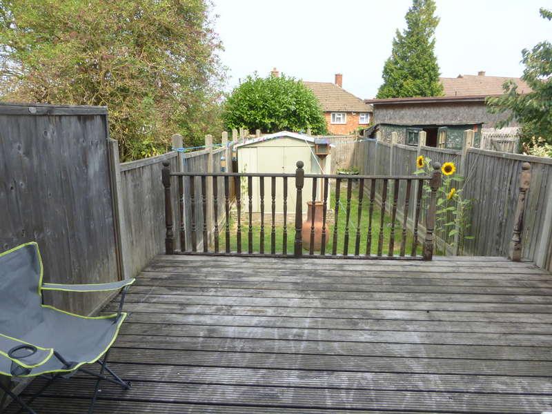 3 Bedrooms Terraced House for sale in Lomas Close, New Addington, Croydon, CR0 0QX