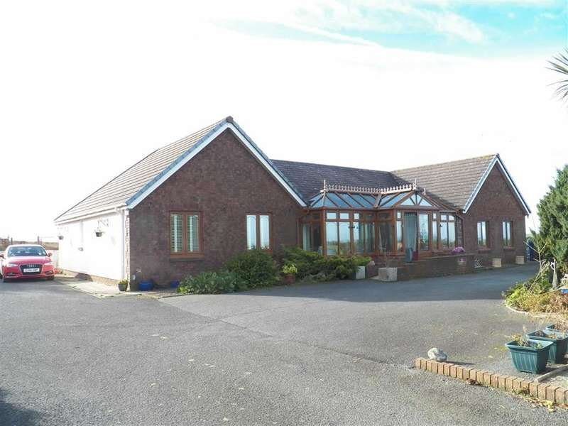 7 Bedrooms Detached Bungalow for sale in FELINWYNT