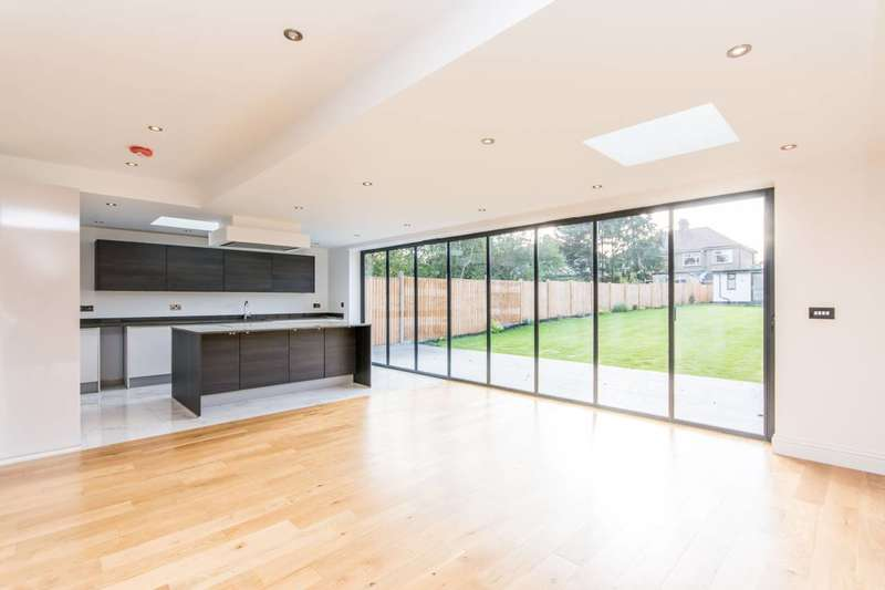 4 Bedrooms House for sale in Kendal Road, Dollis Hill, NW10
