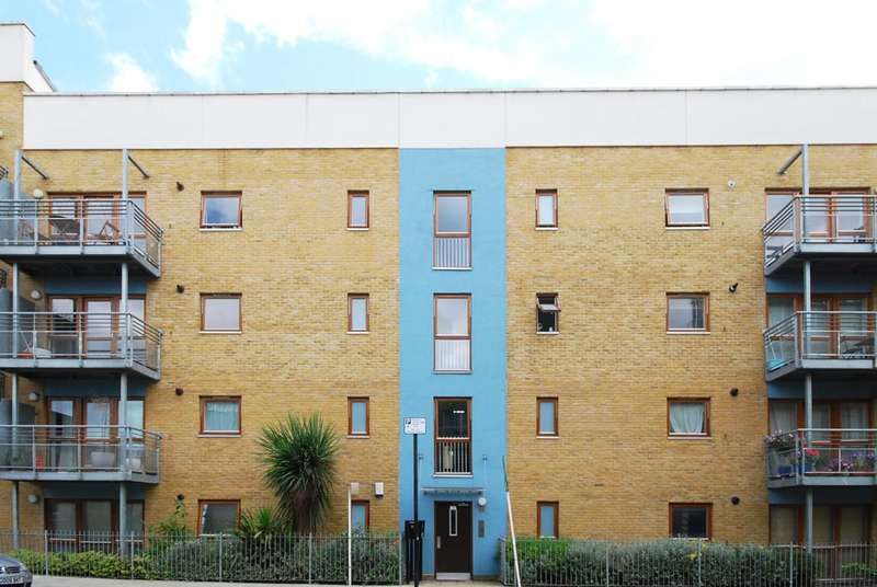 2 Bedrooms Flat for sale in Barchester Street, Poplar, E14