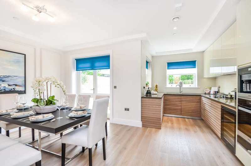 4 Bedrooms Terraced House for sale in Sulivan Road, Hurlingham, SW6