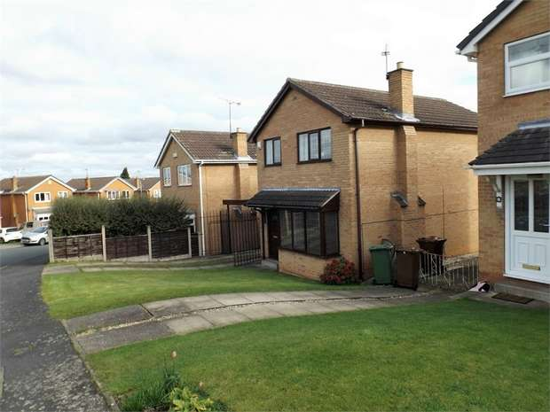 3 Bedrooms Detached House for sale in Greenwood Avenue, Upton, Pontefract, West Yorkshire