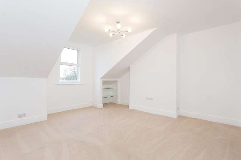 2 Bedrooms Flat for sale in Elm Grove, London SW19