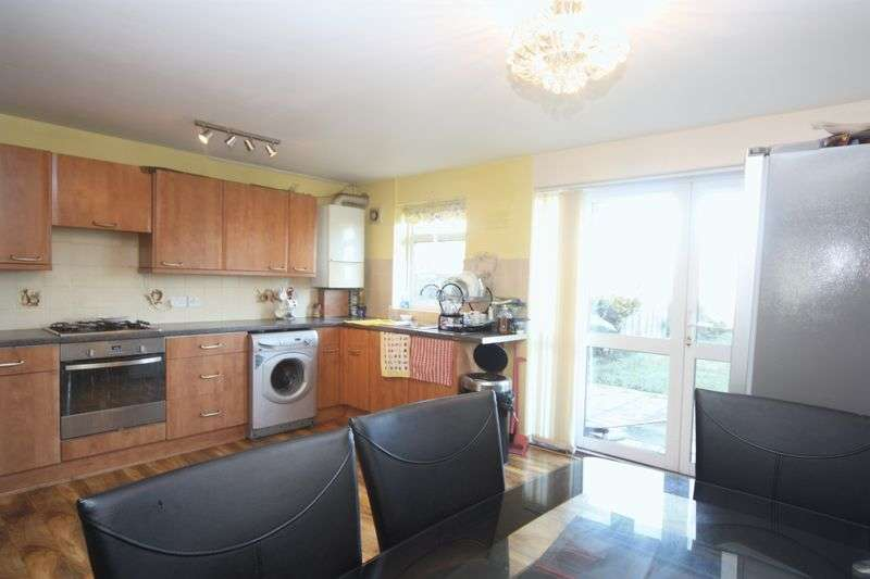 4 Bedrooms Terraced House for sale in Ferrymead Avenue, Greenford